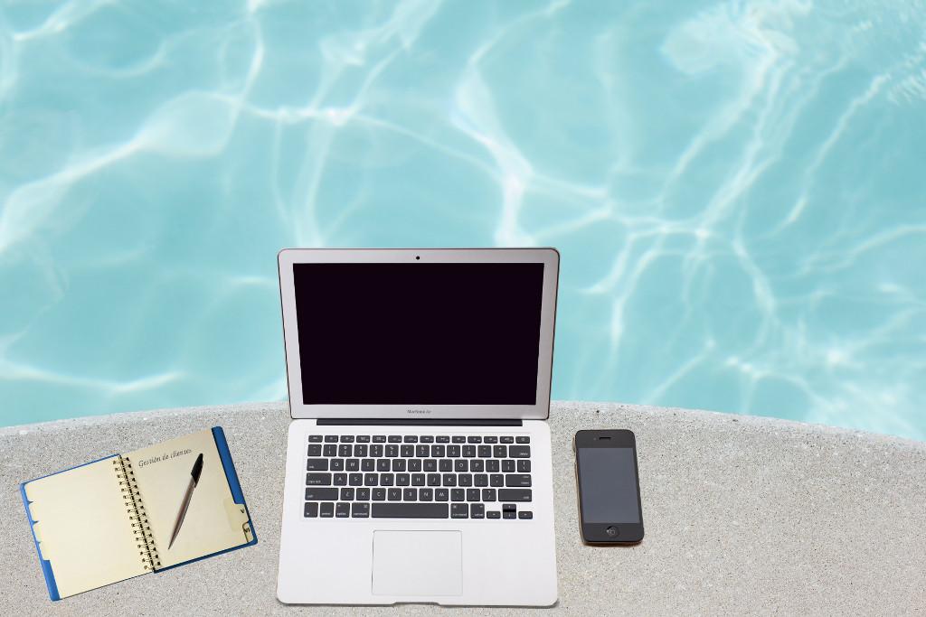 Alt web tienda piscinas marketing digital construccion crm